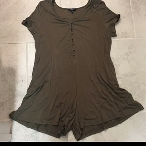 Very j Olive romper large